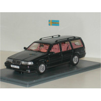 Volvo 960 Estate zwart met. met rose interieur NEO 1:43